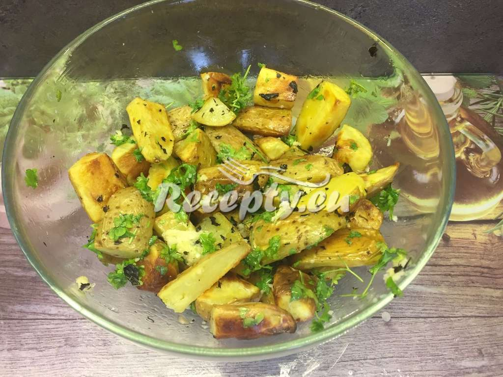 Bylinkové brambory s česnekem